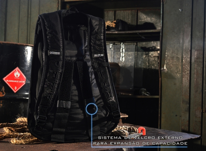 Ogio Backpack back texto