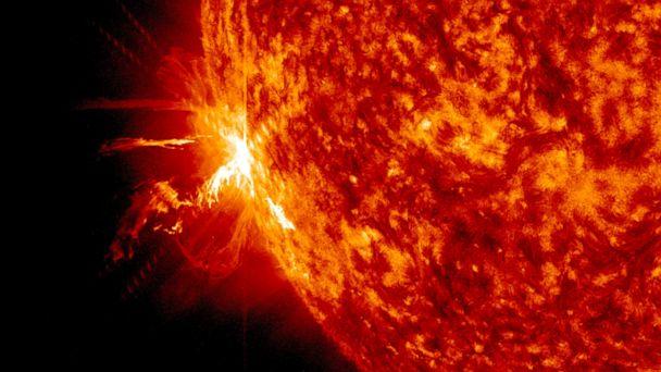 HT_solar_flare_jtm_140611_16x9_608