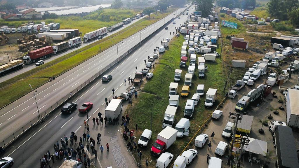 Greve dos caminhoneiros: Como se preparar se a situação piorar?