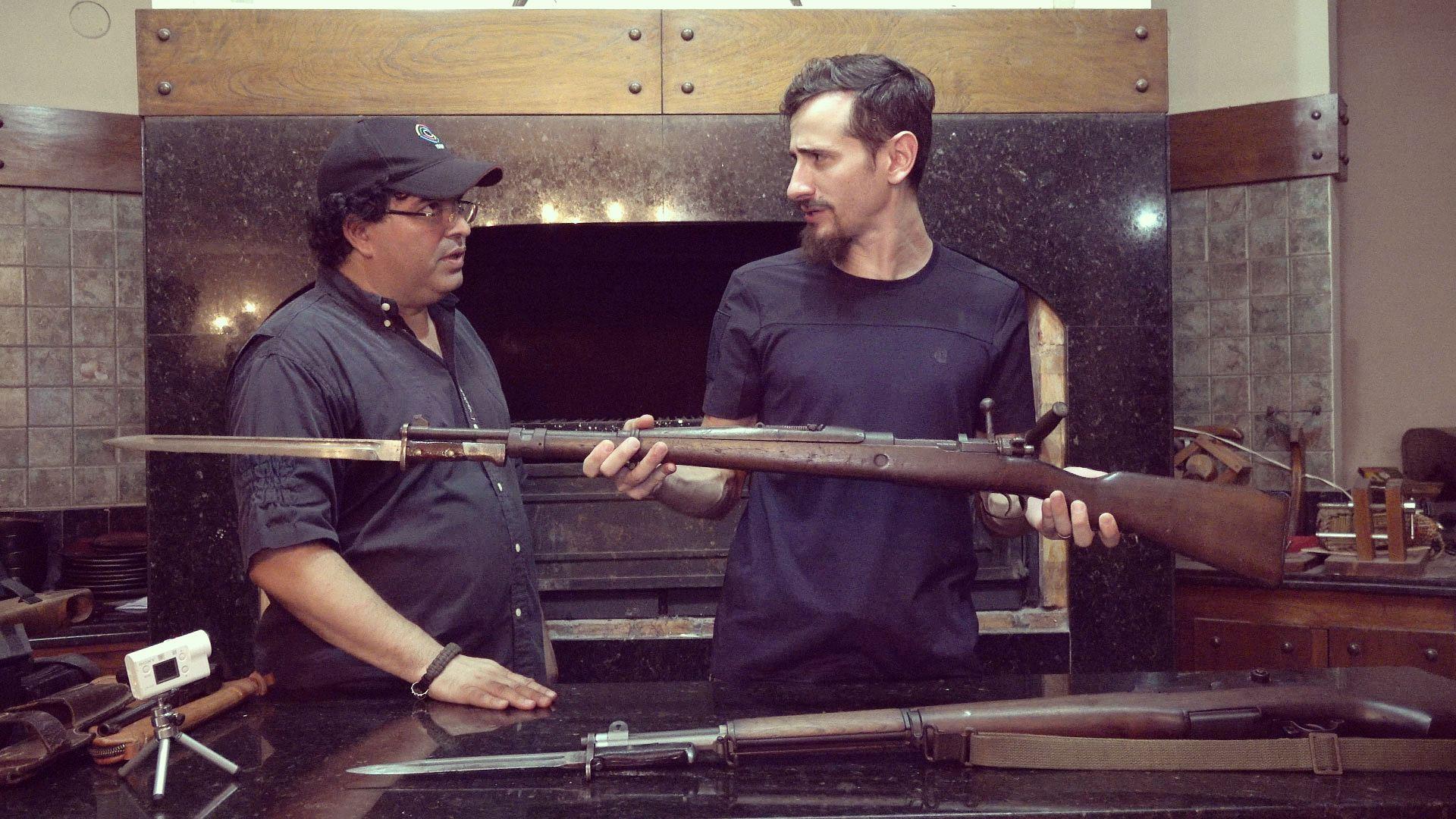 Conhecendo uma MEGA coleção de armas! – Expedição PY 2019 Ep.03