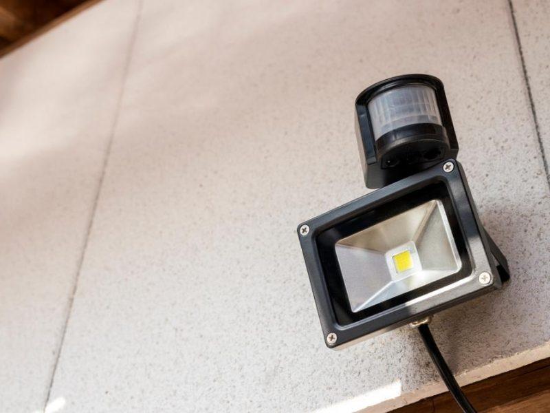 best-outdoor-motion-sensor-light-800x600
